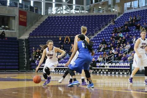 Women's basketball down Wichita State, improves to 13-9