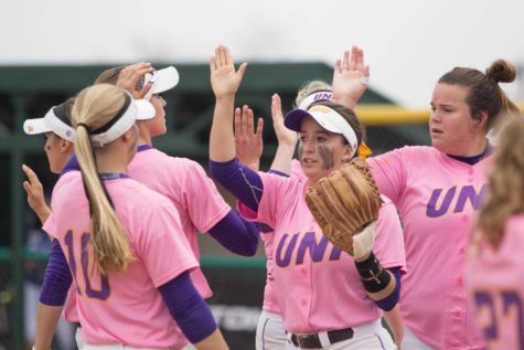 Softball enforces mercy rule over Nebraska-Omaha in 10-2 victory