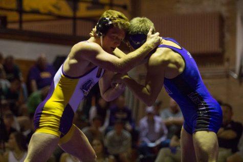 No. 2 Wichita State upsets No. 1 Illinois State