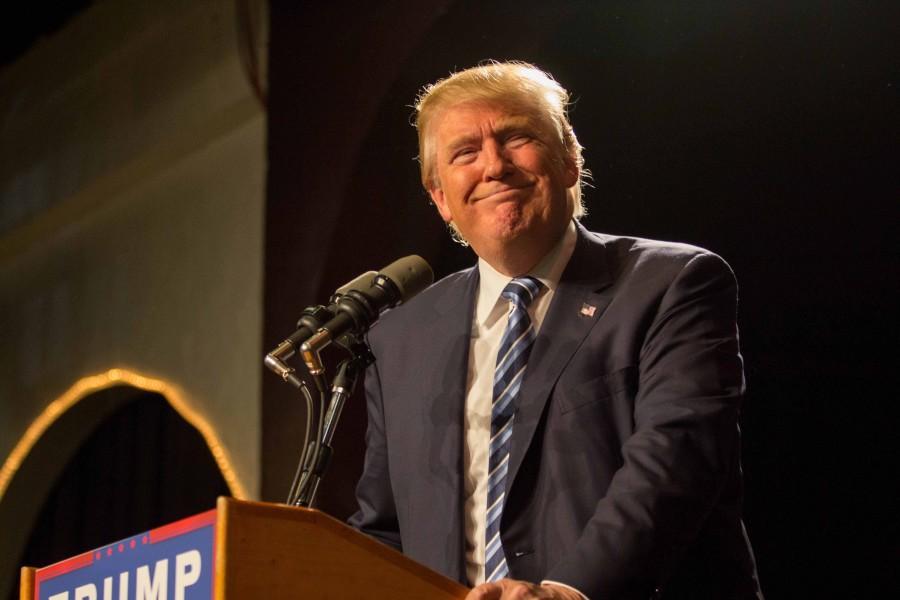 Trump+stumps+in+Cedar+Valley