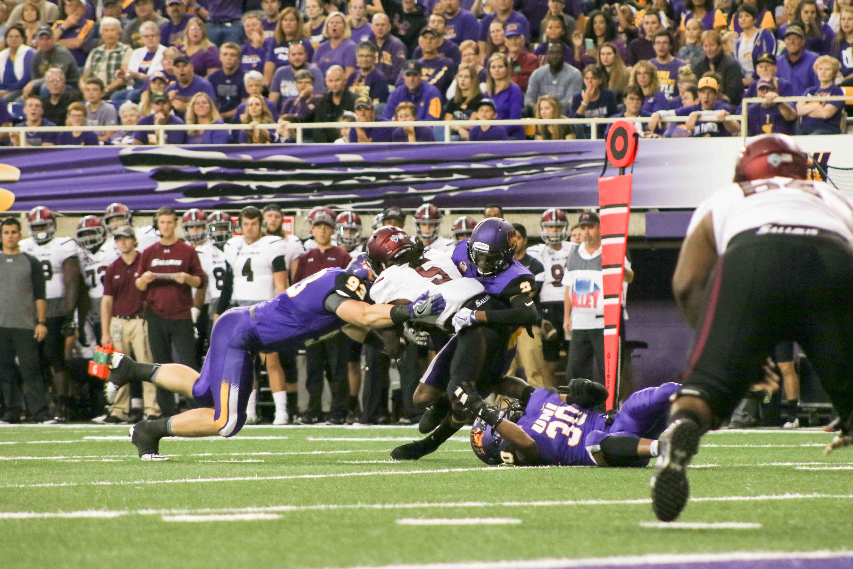 Football prepares for South Dakota – Northern Iowan