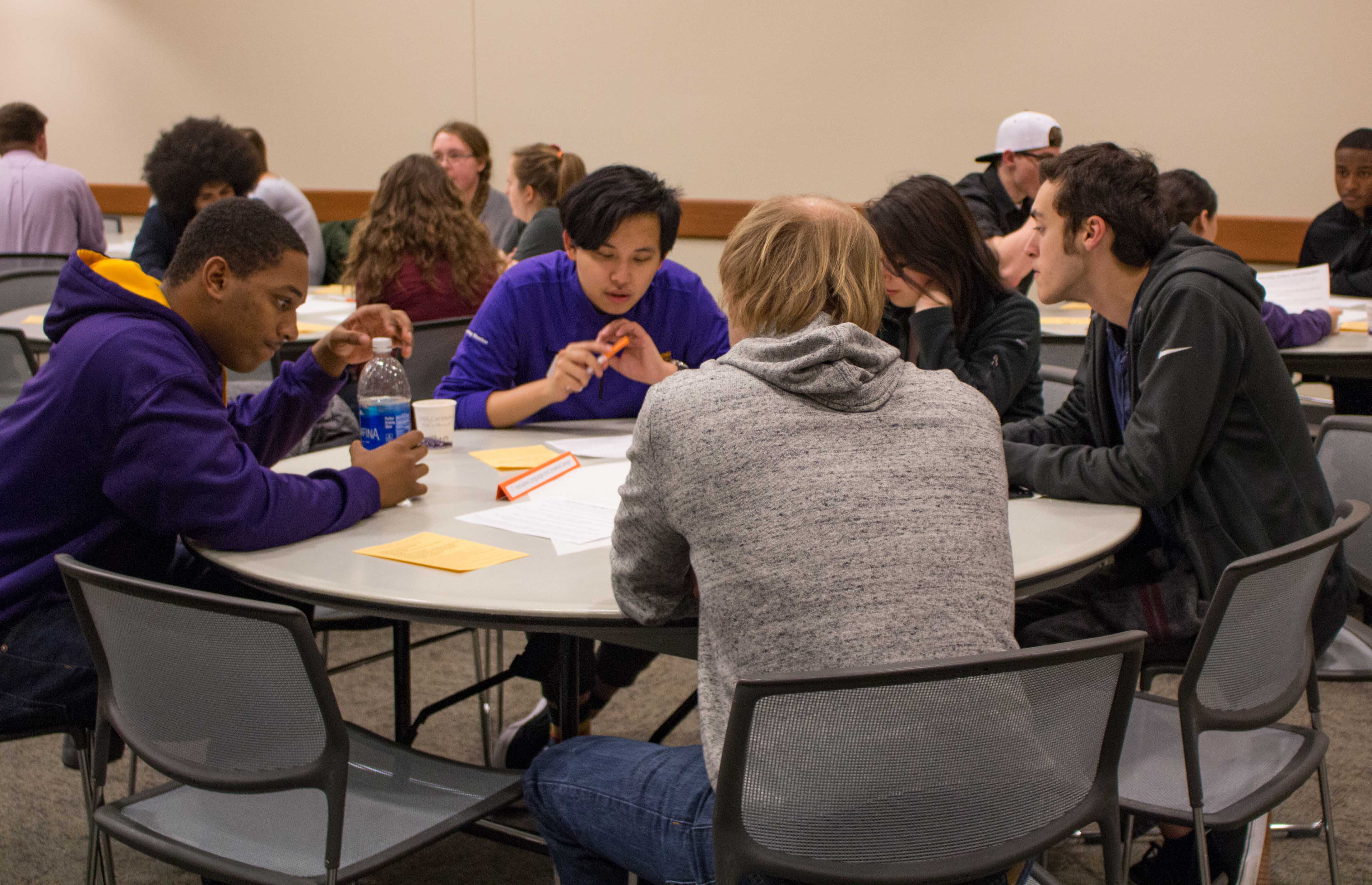 The Department of Residence (DOR) hosted World Cafe on Monday night, where students engaged in discussion on controversial topics.