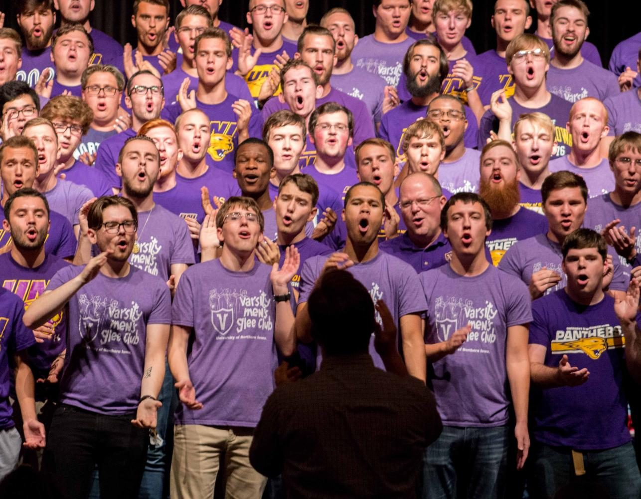 The+Varsity+Men%27s+Glee+Club+does+a+welcome+home+concert+at+the+start+of+every+school+year.