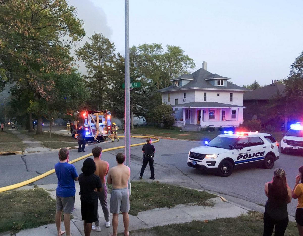 Fire destroys cars, garage
