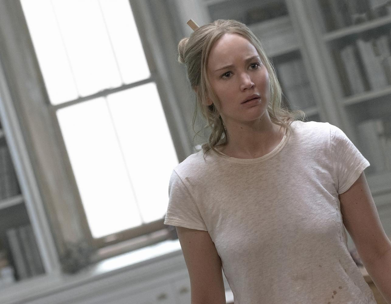 Jennifer+Lawrence+stars+in+the+new+psychological+horror+film+%22Mother%21%22%2C+directed+by+Darren+Aronofsky.+The+film+has+polarized+critics+upon+release+and+currently+carries+a+68%25+approval+rating+on+Rotten+Tomatoes.