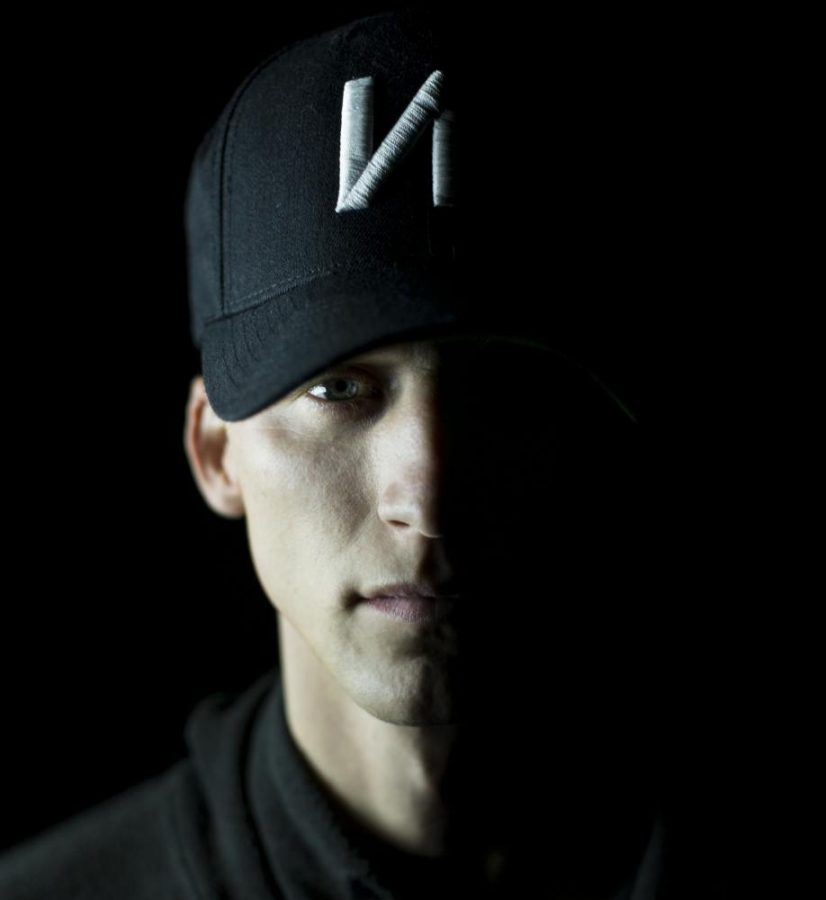 NF%2C+born+Nathan+Feurstein%2C+is+a+26-year-old+rapper+from+Gladwin%2C+Michigan.+%22Perception%22+is+the+third+full+studio+album+he%27s+produced+under+Capital+Records.+His+previous+releases+are+%22Mansion%22+and+%22Therapy+Session.%22+He+also+released+a+self-titled+EP+in+2014.
