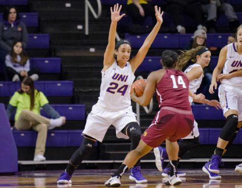 Women's Basketball sees home wins after loss on road