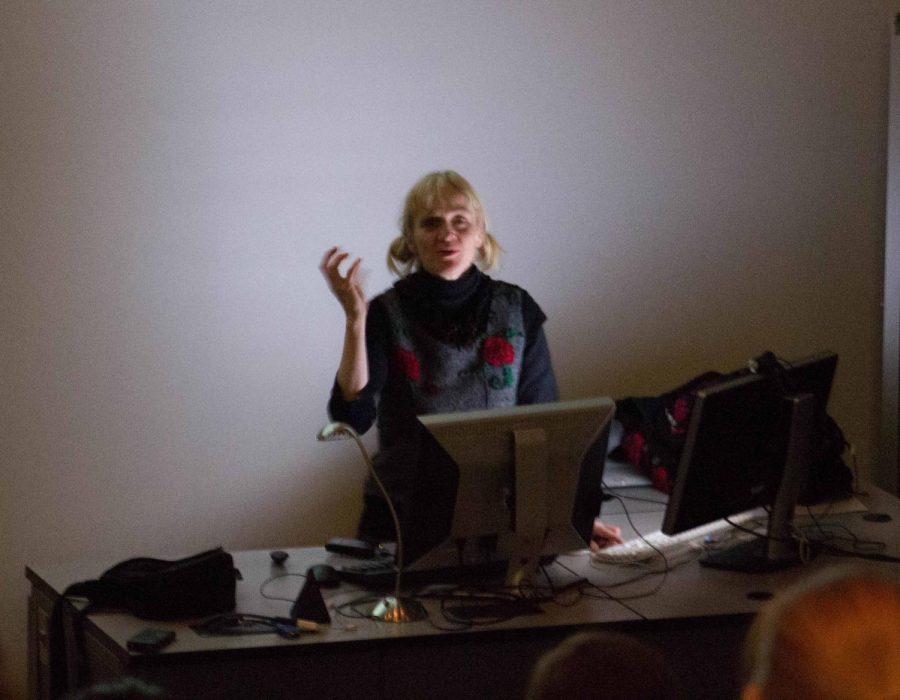 Gerit+Grimm+is+a+ceramist+artist+from+the+University+of+Wisconsin-Madison+and+assistant+art+professor.+She+visited+UNI+Jan.+25+to+lecture+about+her+art.