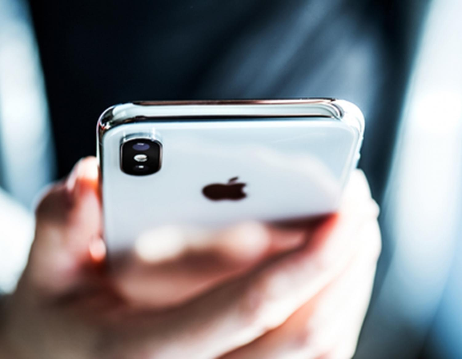 Albie Nicol pens a column urging readers to consider decreasing their smartphone usage, citing the emotional and social benefits that arises from face-to-face communication.