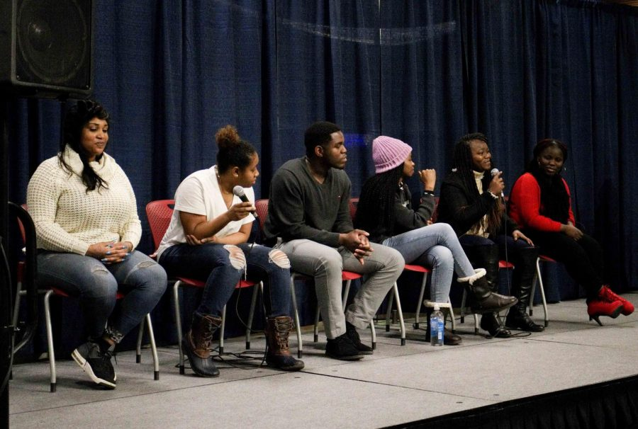 The+panel+of+AU+and+Black+Student+Union+members+discussed+their+differences+and+similarities.+