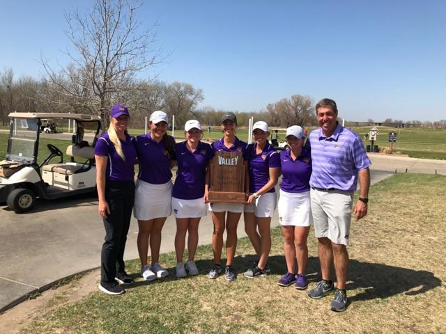 Women's golf surges to second at MVC
