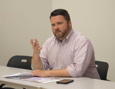 Iowa Democratic Party chair hosts roundtable