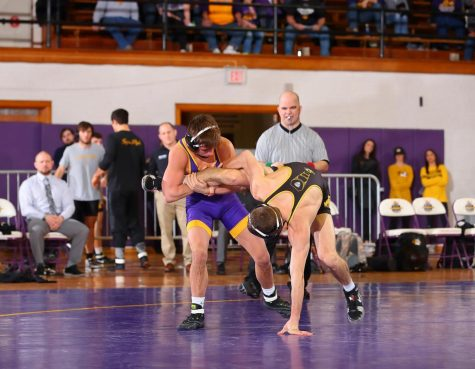 UNI competes at Grand View Open