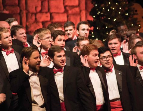 Glee Club serenades at Variety Show