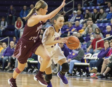 Panthers fend off late rally by Loyola