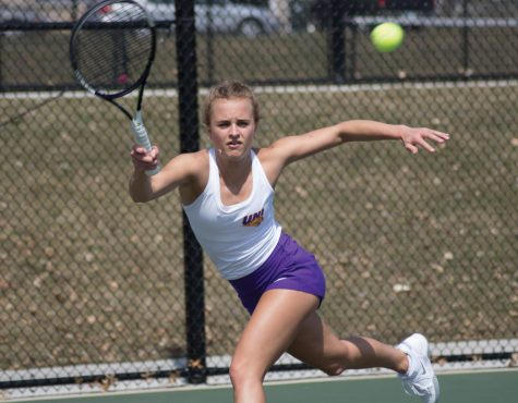 Panthers travel to Illinois, drop two contests