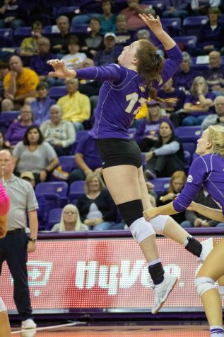 Panthers take down Loyola, move to 14-9