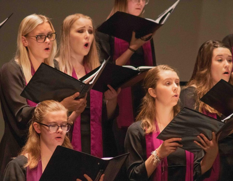 The+UNI+Women%27s+Chorus+and+Varsity+Glee+Club+sang+at+a+shared+Spotlight+Series+performance+on+Tuesday%2C+Oct.+22.+