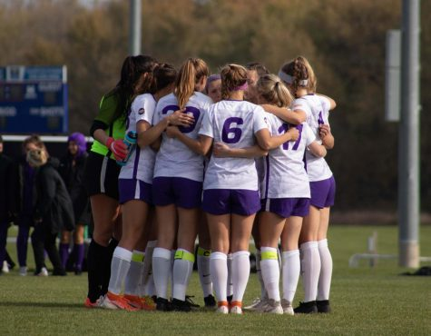Panthers fall short to Evansville in final home game