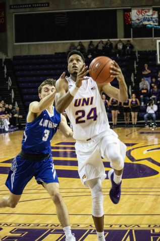 UNI moves to 10-0 in MVC play