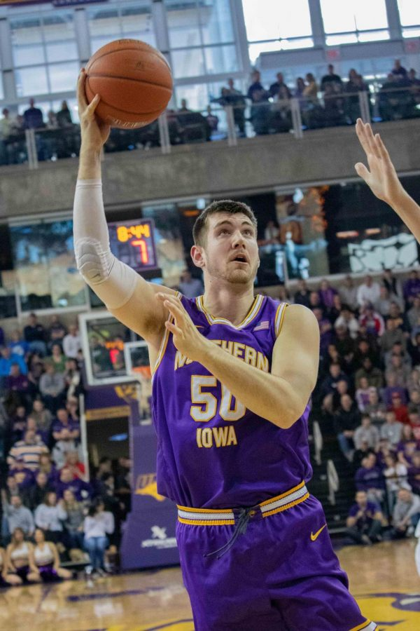 Loyola Ramblers take Panthers on the road in overtime