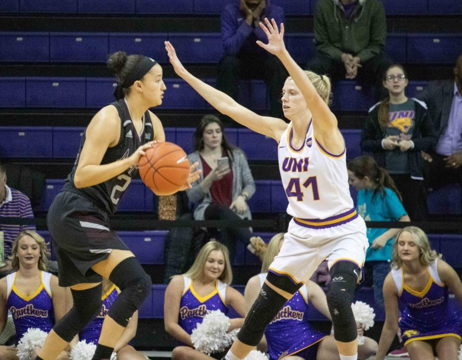 Panther women drop first home game of the year