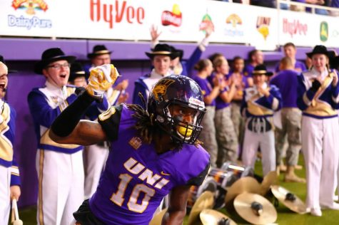 Former UNI Panther Daurice Fountain plays in UNI Dome