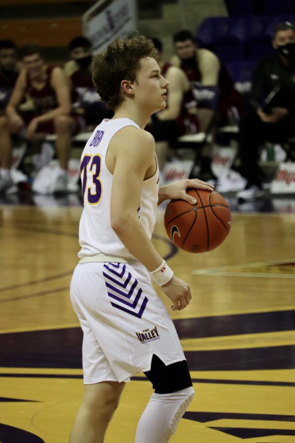 UNI freshman Bowen Born led the team in scoring with 16 points in Sunday's loss at Southern Illinois. Born is averaging 11.5 points per game this season.