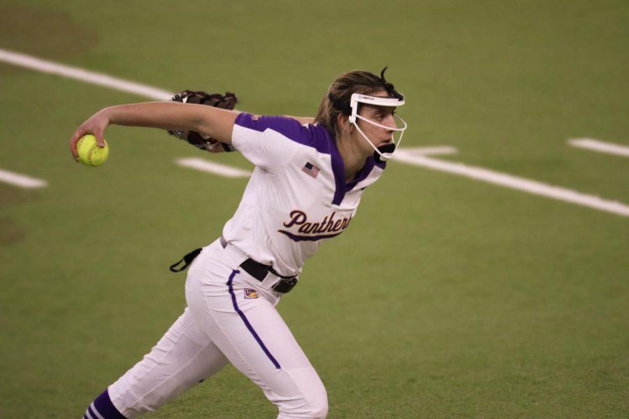 UNI's softball team split their four game series over the weekend with Kansas and South Dakota State.