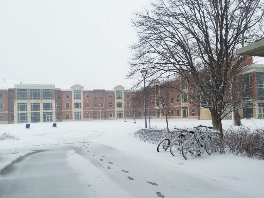 In-person+classes+were+cancelled+once+again+on+Monday+due+to+a+winter+storm+warning+for+extreme+weather+conditions.