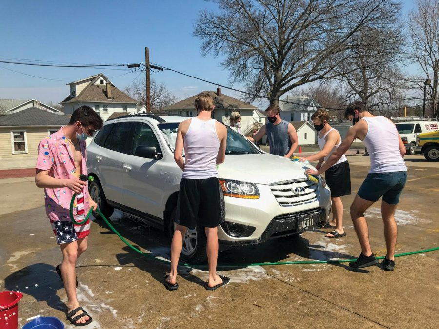 Members of the Sigma Alpha Epilson rang in the warm weather by hosting a car wash open to all members of the community.