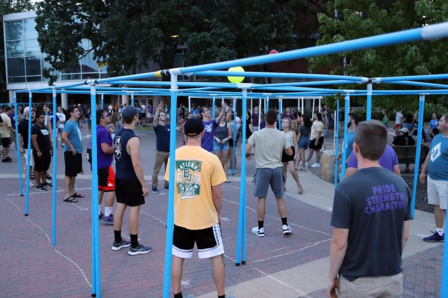 Students play a game of nine ball during Maucker Union live. Music, karaoke, dancing and other games were played.