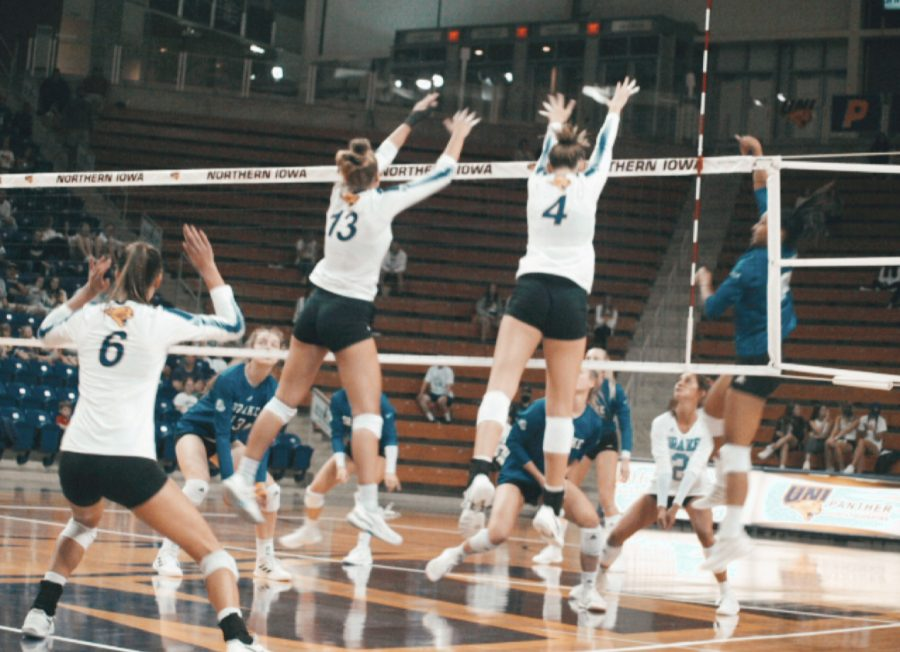 The+Panthers+fell+in+straight+sets+to+their+in-state+rivals+Drake+at+home+last+Friday+night.+They+will+look+to+rebound+on+Monday%2C+Oct.+4+on+the+road+at+Loyola+Chicago.+